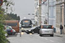 Einparkversuch am 7. Oktober morgens an der Langenloiser Straße. Foto: zVg