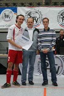 Platz 5 in Flensburg belohnte die Sparda- Bank mit einem Scheck, der die kompletten Reisekosten deckte