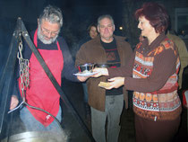 Kesselgulasch am offenen Feuer