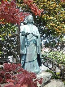 境内の聖徳太子像