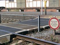Hier konnten  Rollstuhlfahrer früher mal die Gleise überqueren