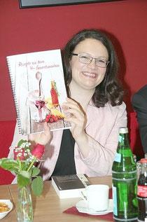 Prominente Botschafterin für die Tätigheit des Vier-Generationen-Hauses: Andrea Nahles                       Foto: Toni Riehl