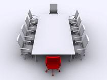 Konferenztisch mit Stühlen