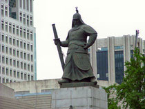 ソウル。李舜臣(イ スンシン)像