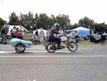 """""""Grilli's Moped-Renn-Anhänger""""  '10"""