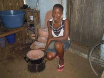 Die Kochherde werden in Togo selbst hergestellt