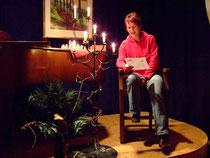 Ute Pieper liest eine Weihnachtsgeschichte vor