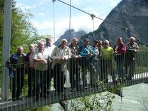 Die Gruppe, die durch die sehenswerte Aareschlucht gewandert ist.