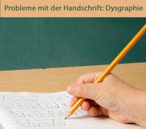 Symbolbild: schreibende Hand