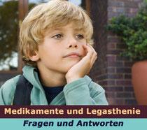 Symbolbild: Junge denkt nach