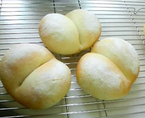 ふわふわ白く焼き上げるパン