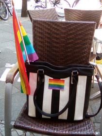 Lenas aufgerüstete Handtasche.