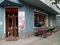 Eingang zum Sontags-Club im Prenzlauer Berg.