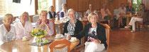 Die Frühstücksdamen im Clubhaus. Vorne am Tisch (v.l.): Marion Feld, Christa Potzeldt, Irmhild Tscherny, Heidi Bruhn, Hannelore Diestel.