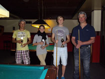 Platz 2: Marvin Lippke, Platz 3: Marie Thode, Sieger: Christian Jansen und Platz 4: Stefan Thode