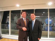 (左)大邱市長と