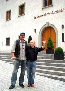 PALME und Vlado Franjević vor dem Liechtensteinischen Landesmuseum