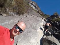 Da ging es hoch in der Steilwand von Mount Beerwah. In Deutschland undenkbar hier klettern man einfach 2 Stunden 500 höhenmeter senkrecht ungesichert hoch. Ein unglaubliches geiles Gefühl.