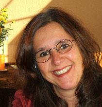 Claudia Aram, Yogalehrerin BDY/EYU, zertifizierte MBSR-Lehrerin
