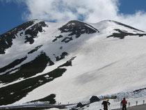 剣ヶ峰と大雪渓 ここを滑りました 。