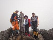 トムラスシ山頂にて