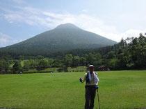 麓からの開聞岳。