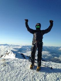 Nicolas au sommet, bien protégé car très froid ce jour-là!