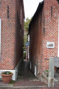 62 Eine Gasse/A alleyway