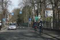 45 Eine Straße/A street