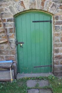 6 Tür eines Schuppens/Door of a shed
