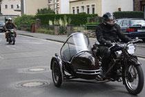 40 Motorradfahrer mit Beiwagen/Biker with sidecar