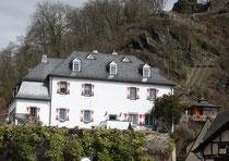 19 Haus/House