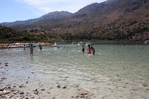 13 Menschen im Wasser/People in water