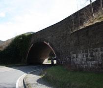 67 Ein Tunnel/A tunnel