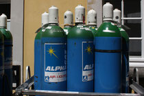 35 Gasflaschen/Gas bottles