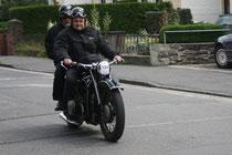 28 Motorradfahrer/Biker