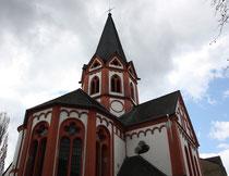 4 Eine Kirche/A Church