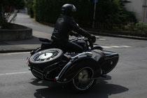 9 Motorradfahrer mit Beiwagen/Biker with sidecar