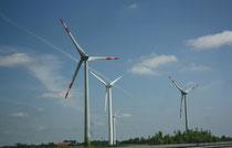 28 Windmühlen/Wind mills