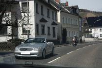 98 Eine Straße/A street