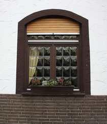 2 Ein Fenster/A window