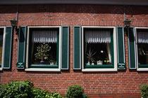 12 Fenster einer Gaststätte/Windows of a restaurant