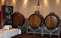 14 Weinfässer/Wine barrels