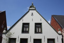 2 Hausgiebel/Gable of a house