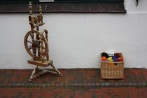55 Spinnrad+Wolle/Spinning wheel+wool
