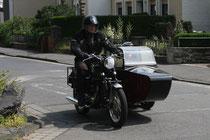 8 Motorradfahrer mit Beiwagen/Biker with sidecar