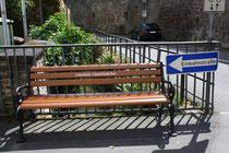 5 Eine Bank zum Ausruhen/A bench for rest