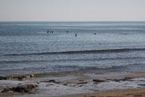 111 Menschen im Wasser/People in the water