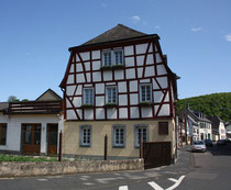 81 Haus/House