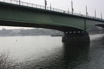 68 Am Rhein/At the Rhein